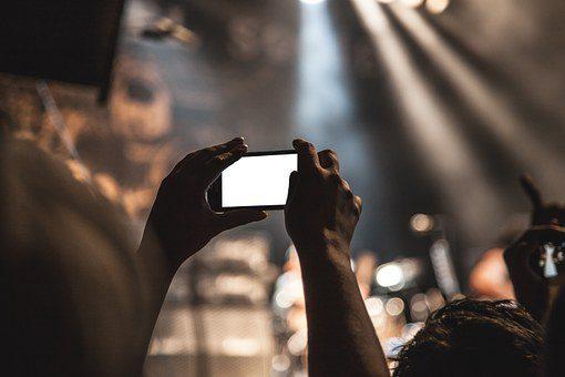 smartphone-407108__340.jpg