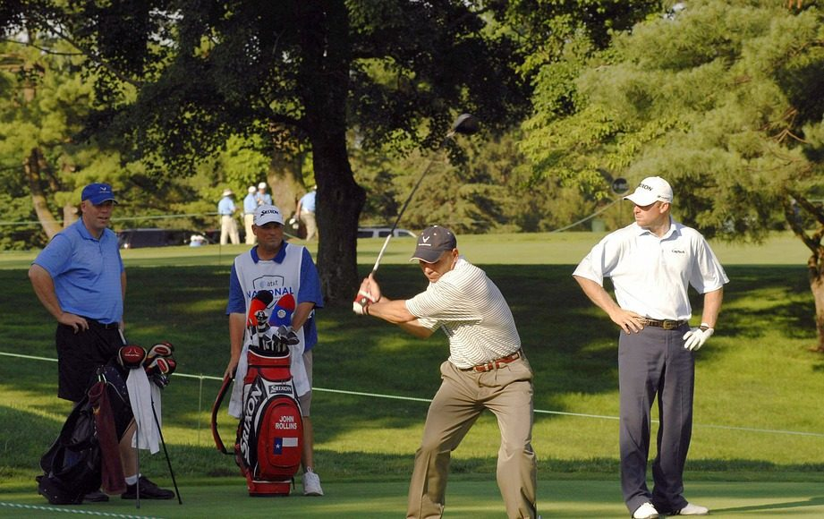 golfers playing a game